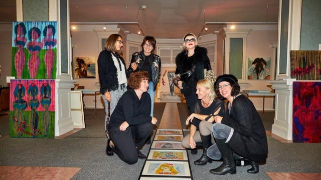 Künstlergruppoe females
