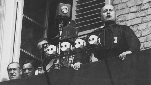 Benito Mussolini in Turin, 1932