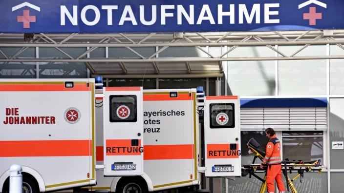 Polizei ermittelt: Die Notaufnahme an der Kreisklinik in Fürstenfeldbruck kann derzeit nur bedingt Patienten aufnehmen.