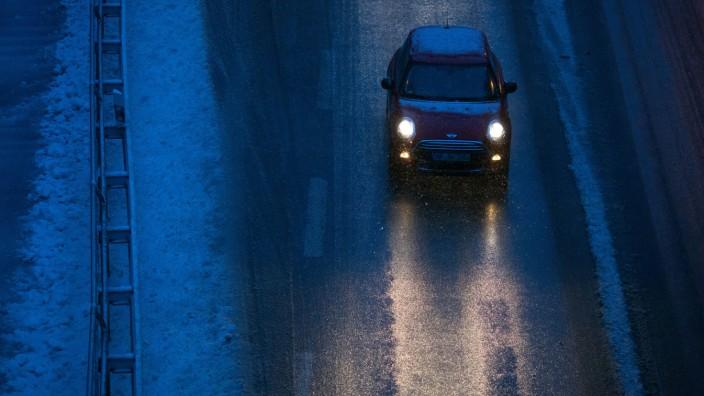 Ohne nötige Winterreifen am Auto wird ein Punkt fällig