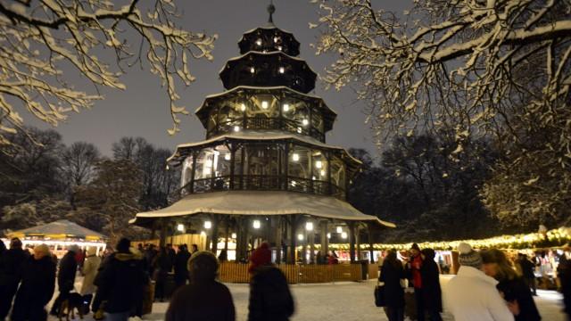 Weihnachtsmarkt am Chinesischen Turm in München