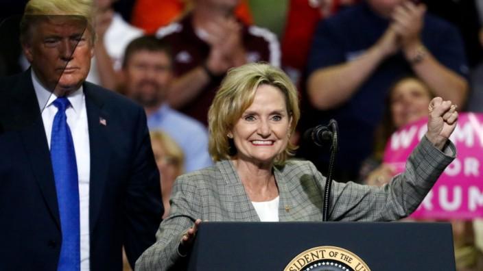 Donald Trump,Cindy Hyde-Smith