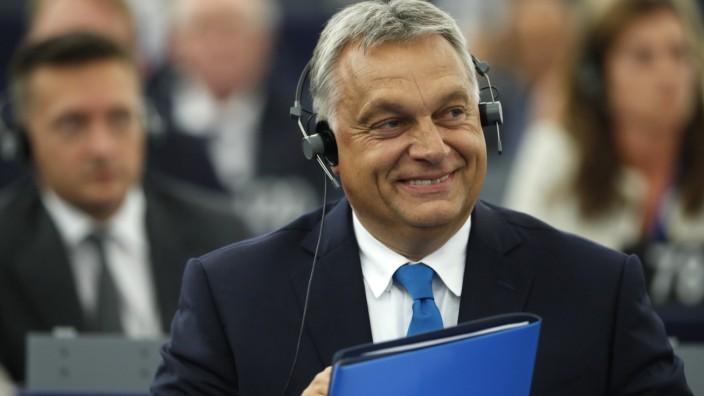 Pressefreiheit: Kritiker befürchten, dass das neue Medien-Konglomerat dem ungarischen Ministerpräsident Viktor Orbán noch mehr Macht über die Presse verleiht.