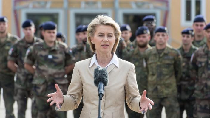 Ministerin Von der Leyen