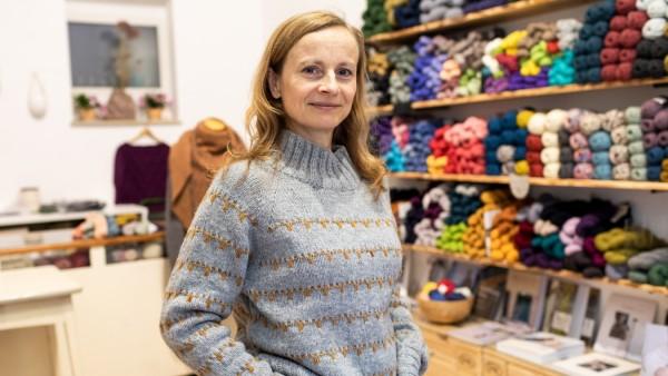 Inhaberin und Wollproduzentin Christine Biedermann in ihrem Laden in der Pariser Straße 44 in Haidhausen am 13.11.2018.