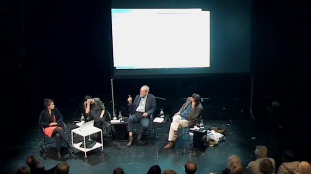 Kunstdebatte: Horror-Diskussion? Cana Bilir-Meier, Henrike Naumann, Kasper König, Wilhelm Klotzek (von links) in den Münchner Kammerspielen.