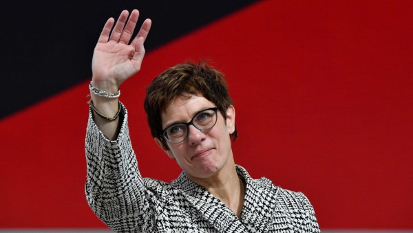 Annegret Kramp-Karrenbauer CDU Portät