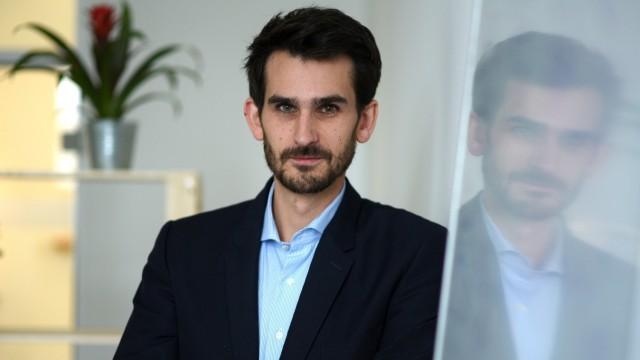 Künstliche Intelligenz: Franz Pfister ist Arzt und Datenspezialist. Er arbeitet an einer Software, die Medizinern bei der Diagnose von Gehirnerkrankungen helfen soll.
