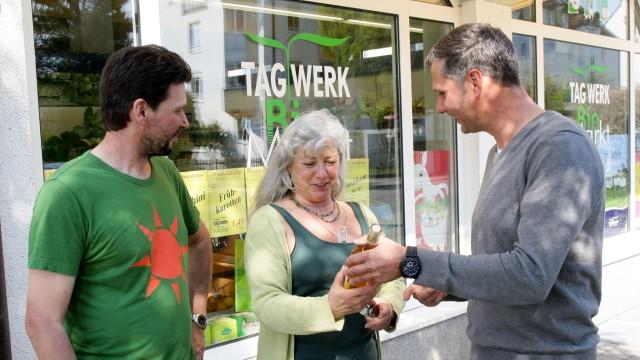 """Tipps für ein nachhaltiges Fest: Lieber """"bio"""" einkaufen, rät Brigitte Waldhauser."""