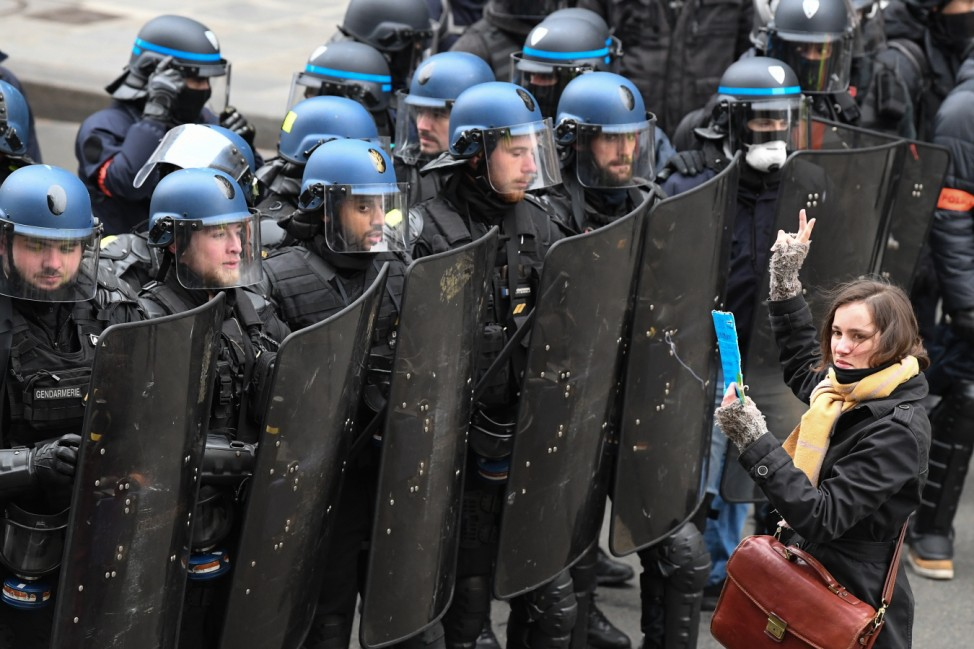 ***BESTPIX*** 'Yellow Vests' Return Despite Macron's Concessions