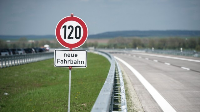 SPD-Chef Gabriel fordert Tempo 120 auf Autobahnen