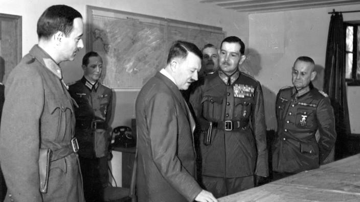 Franz Halder, Adolf Hitler mit dem ungarischen Befehlshaber Vitez Jany