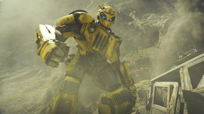 """Kino: Der Roboter """"Bumblebee"""", in den sich ein niedlicher VW-Käfer verwandelt."""