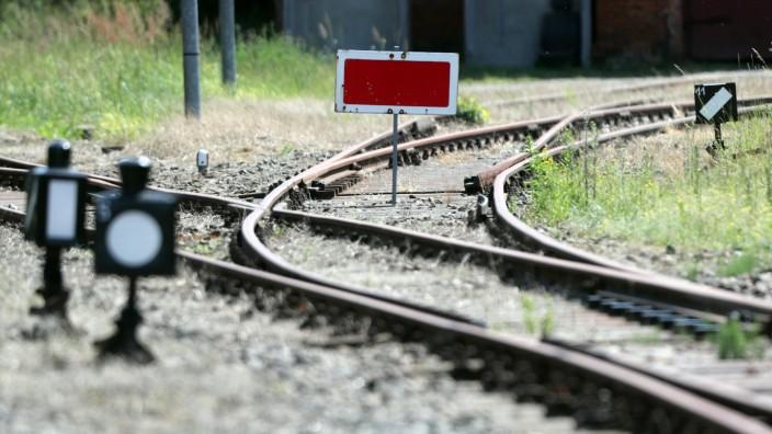 Zugverkehr im ländlichen Raum - Ausbau des Streckennetzes der Bahn
