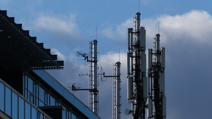 Mobile Phone Service Providers Go To Court Over 5G License Conditions