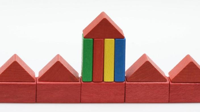 Kleine rote Häuser aus Bauklötzen RLX 110428