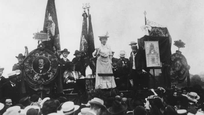 Rosa Luxemburg als Rednerin, 1907