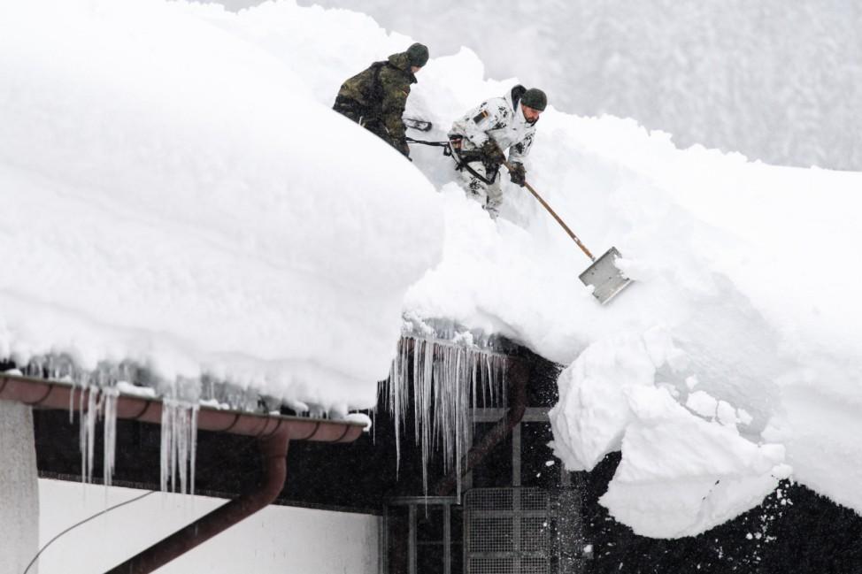 Winter in Bayern - Von der Leyen besucht Buchenhöhe