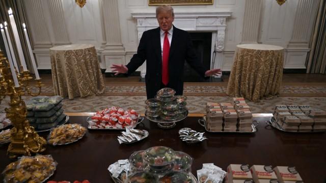 Ex-Präsident und Fast-Food-Fan Donald Trump würde es wahrscheinlich nicht überleben, wenn er nur einmal pro Monat seinen Burger bekäme.