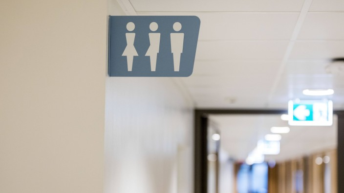 The Netherlands The Hague Sign for gender neutral toilet PUBLICATIONxINxGERxSUIxAUTxONLY Copyrigh