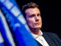 HSV: Marcell Jansen auf einer Mitgliederversammlung des Hamburger SV