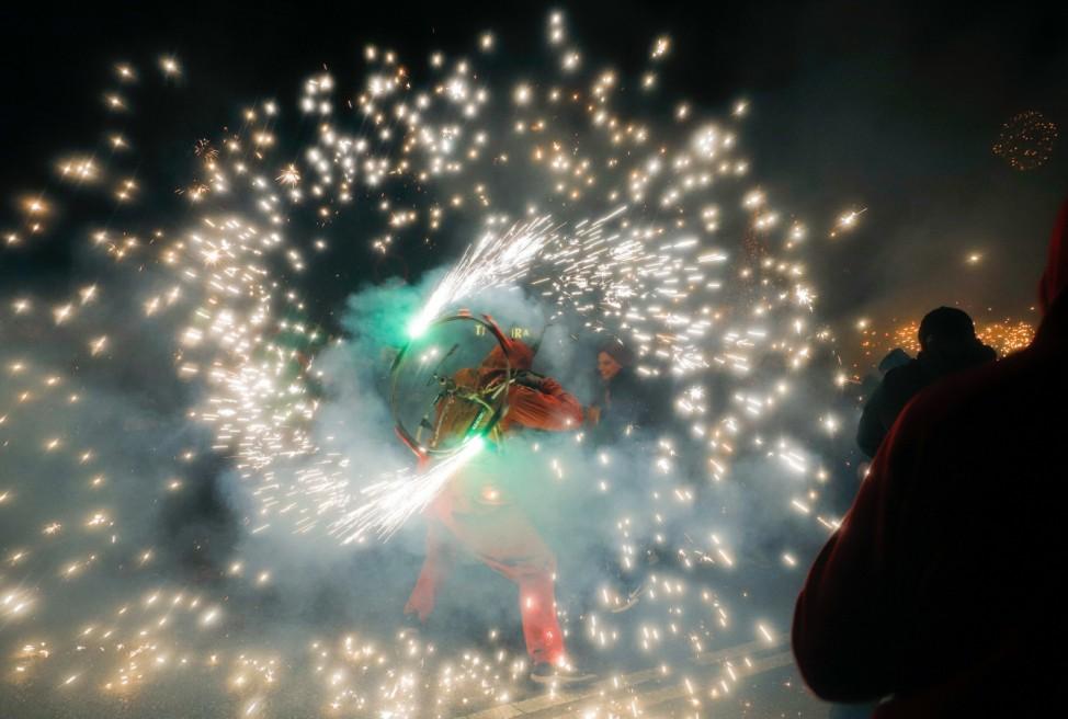 Correfoc-Straßenparade mit Feuerwerk auf Mallorca
