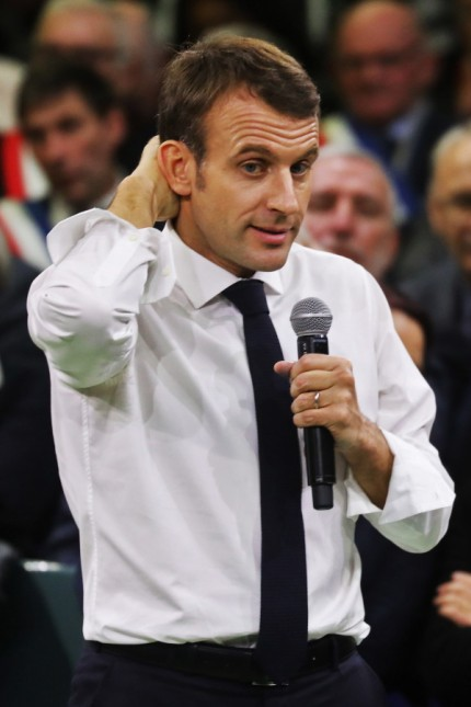 """Frankreich: Probiers mal mit Dialog: Frankreichs Präsident Emmanuel Macron spricht zum Auftakt der """"großen Debatte"""" zu 600 Bürgermeistern."""