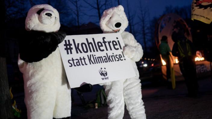 Sitzung der Kohlekommission - Demonstration