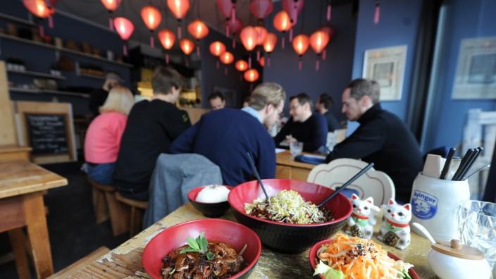 Fei Scho: Das kleine Restaurant Fei Scho bietet eine Vielzahl asiatischer Gerichte an.