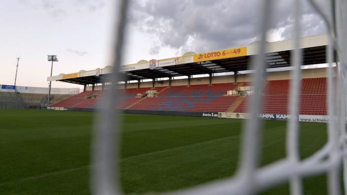 Dritte Fußball-Liga: Alles steht in Frage: Auch die Übernahme des Sportparks durch die SpVgg Unterhaching ist erst einmal vertagt.