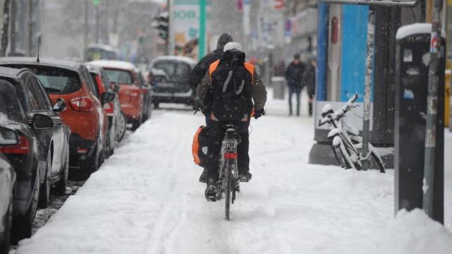 Radweg im Winter in München, 2017