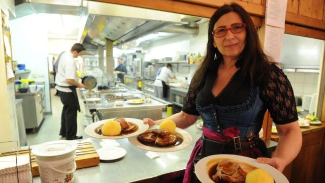 Beim Sedlmayr: In der bayerischen Traditionsgaststätte kommt vor allem eines auf den Tisch: Fleisch.
