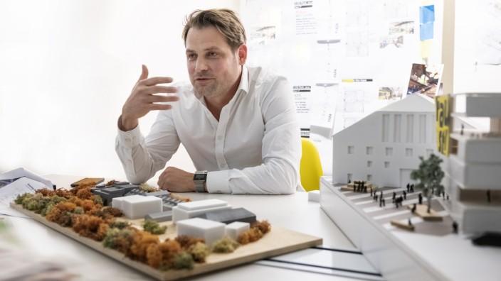 Architekt Clemens Bachmann - Clemens Bachmann Dipl.-Ing. Architekt, Gründer/Inhaber von CBA Architekten -  kontakt email: c.bachmann@cbarchitekten.com   Tel +49 89 2300070-10