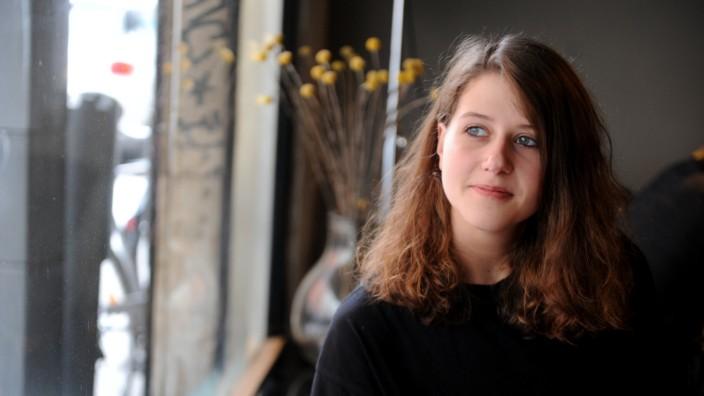 Wie funktioniert das Musikbusiness? Nicola Schwartze will es jungen Künstlern zeigen.