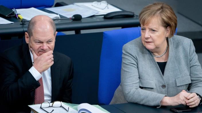 Bundeskanzlerin Merkel und Finanzminister Scholz im Deutschen Bundestag