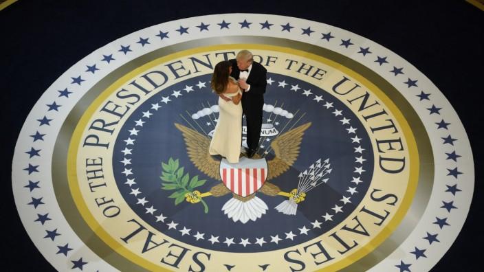 Donald und Melania Trump bei einem Ball zur Amtseinführung 2017