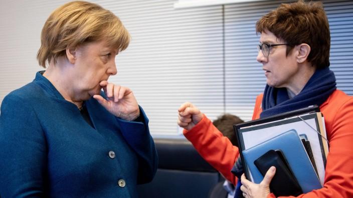 Merkel Kramp-Karrenbauer Flüchtlingspolitik