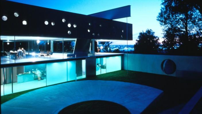 Architektur: Drei Stockwerke, ein großer Fahrstuhl und viel Eleganz: Maison à Bordeaux des Architekten Rem Koolhaas.