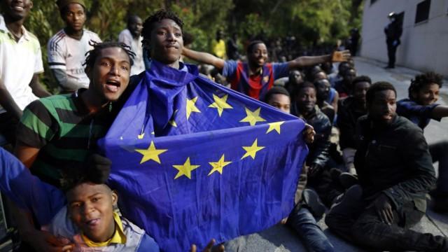 Wieder Massenansturm auf spanische Exklave Ceuta