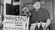 Kultur des Wirtshauses: Nüchterne Stimmabgabe im Jahre 1949.