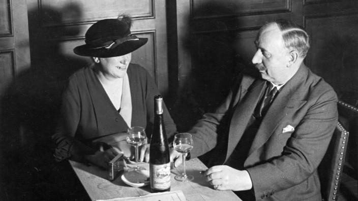 Weinrestaurant in Berlin, 1936