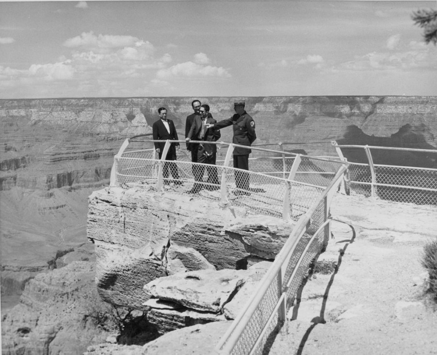 Grand Canyon Jubiläum historische Fotos USA König von Nepal