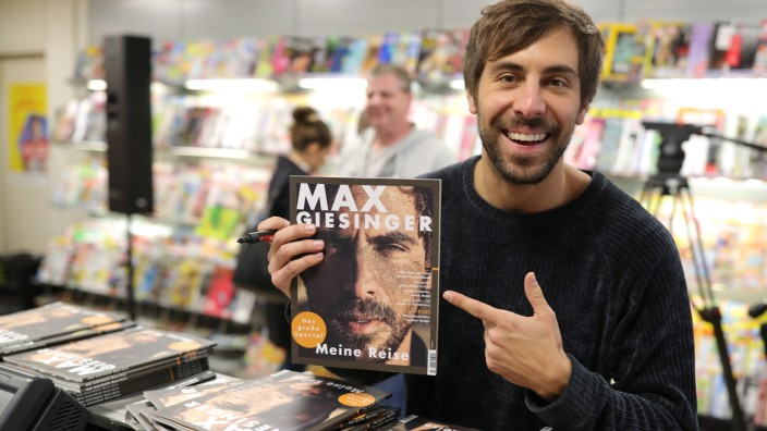 Max Giesinger Fan Magazine Launch - Exclusive Kiosk Concert
