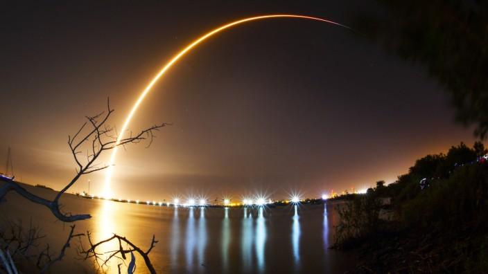 Raumfahrt: Raketen, die in den Himmel steigen - bisher kennt man solche Bilder vor allem aus Florida, Kasachstan oder Französisch-Guayana.