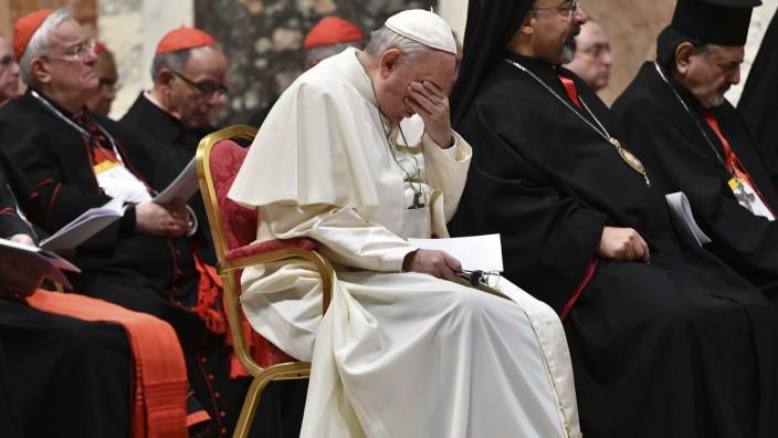 Acht-Punkte-Plan der katholischen Kirche: Was soll man sagen, angesichts solcher Verbrechen? Der Papst während des Bußgottesdienstes am Samstag im Vatikan.