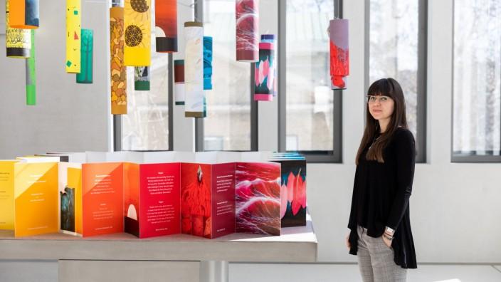 Berufsschüler für Gestaltung ergänzen mit eigenen Arbeiten die Dauerausstellung des NS-Dokumentationszentrums. München, 27.02.2019.