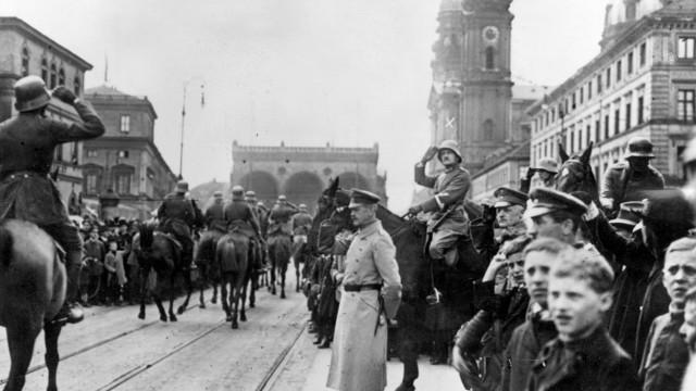Siegesparade des 'Freikorps Görlitz' in München, 1919