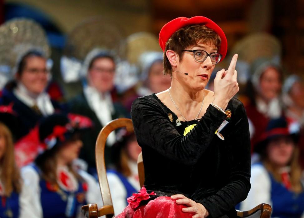 Annegret Kramp-Karrenbauer beim Karneval in Stockach