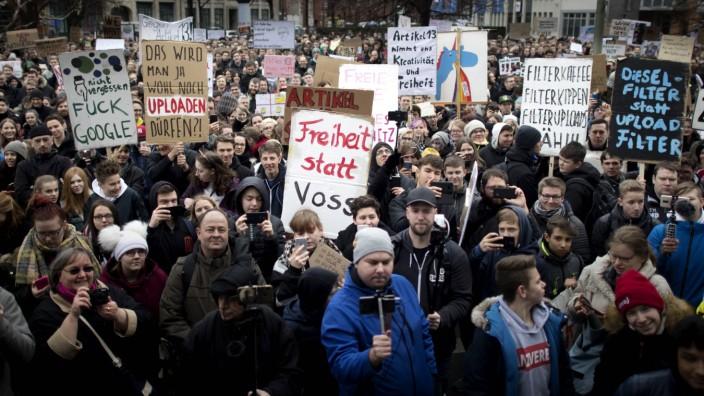 Demo Gegen Uploadfilter EU Urheberrechtsreform DEU Deutschland Germany Berlin 02 03 2019 Demon