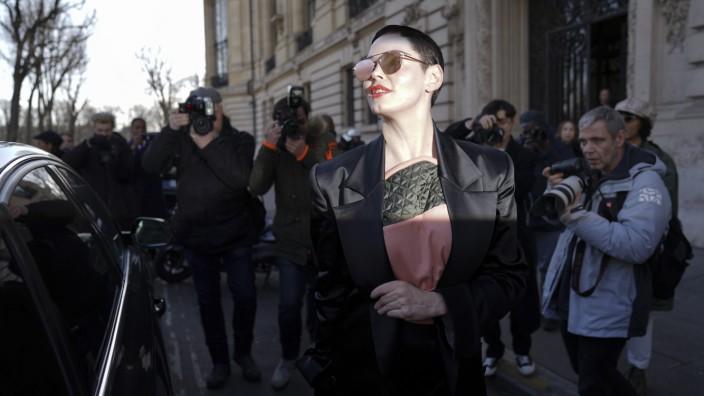 Vivienne Westwood : Outside Arrivals - Paris Fashion Week Womenswear Fall/Winter 2018/2019
